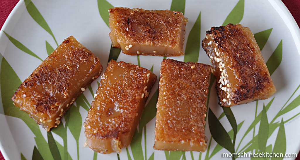 fried neen goh (nian gao)